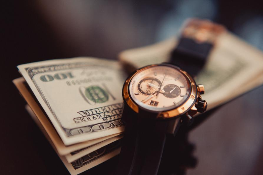 80581bb48669 Скупаем часы в Москве  выдаем деньги в день обращения!