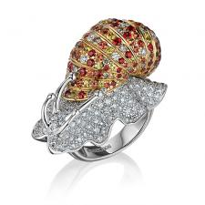 Boucheron MULTI-TONE GOLD DIAMOND AND SAPPHIRE ESCARGOT RING