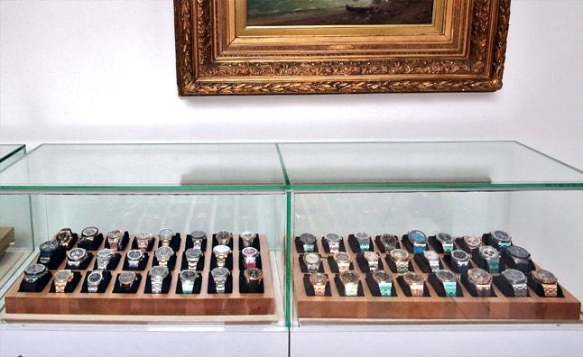 3b1c6c82370a Итак, вы можете продать в ломбард часы Richard Mille, Rolex, Vacheron  Constantin и других известных брендов и выручить за них сумму до  2 млн.